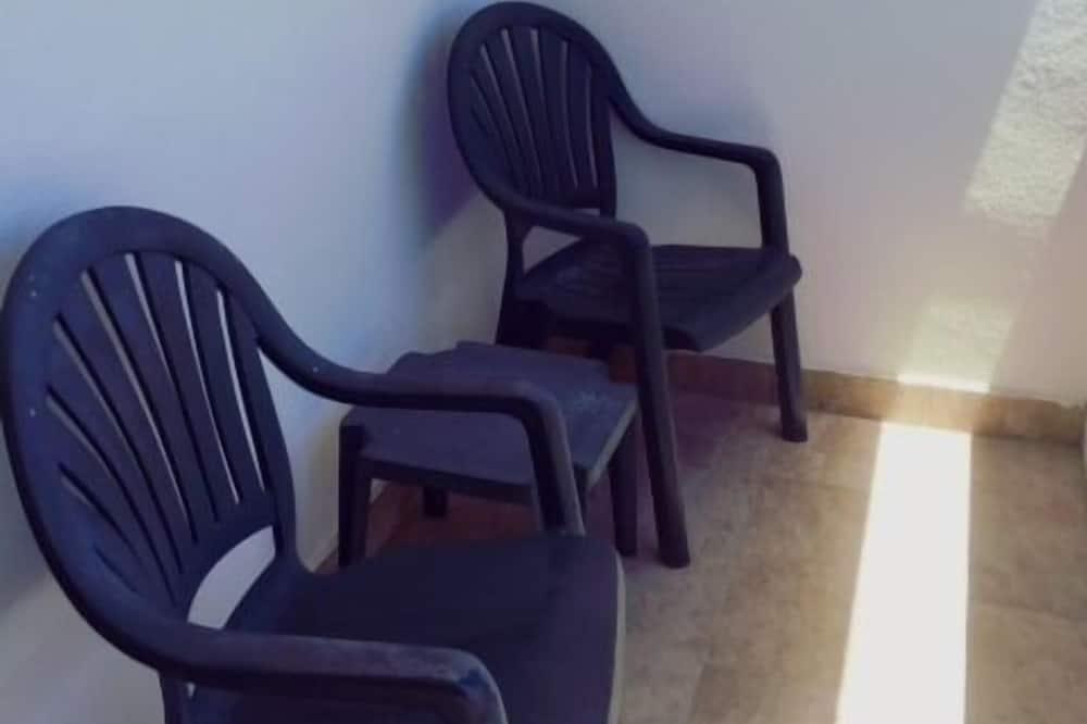 Basic Double Room Single Use, Side View - Balkon