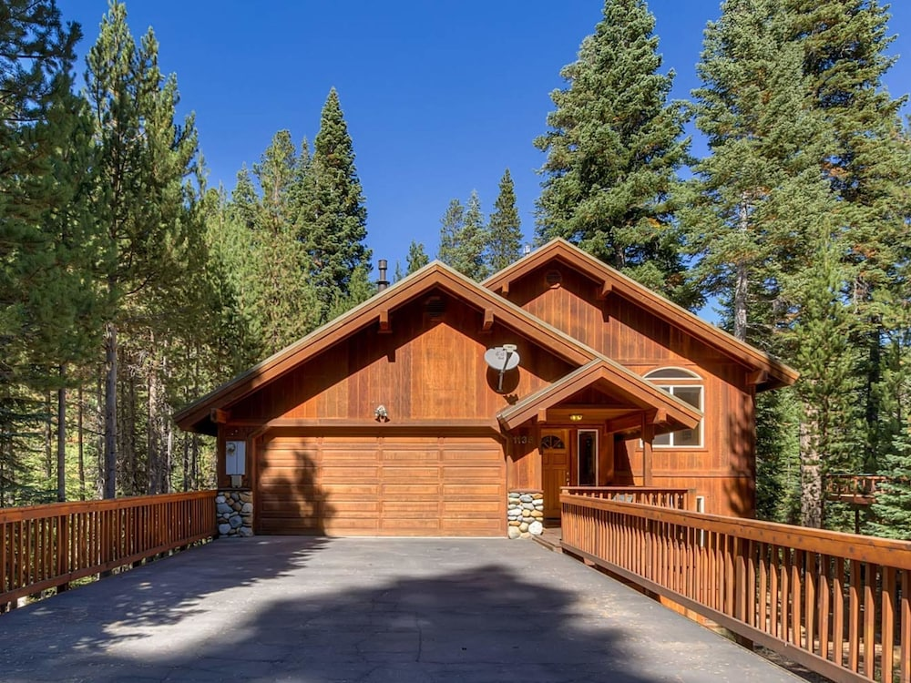 Kings Beach Home Newly Furnishings And Hot Tub By Redawning Tahoe Vista
