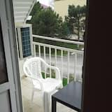 Standard Triple Room, Balcony - Balcony