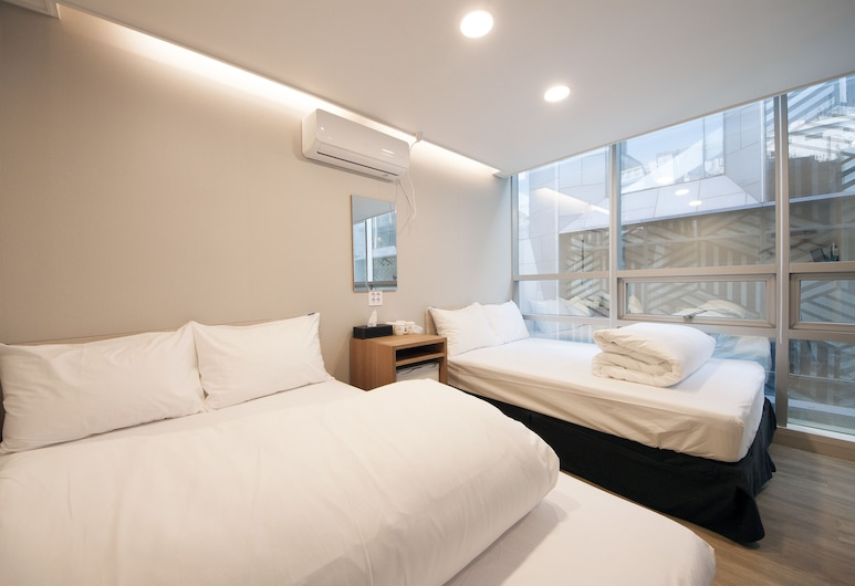 K-Grand Hostel Myeongdong, Seoul, Family Room, 2 Double Beds, Guest Room