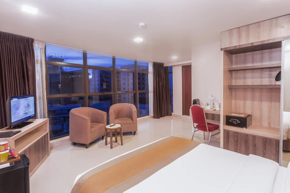 Deluxe Double or Twin Room, 1 Double Bed, Accessible, Private Bathroom - Guest Room