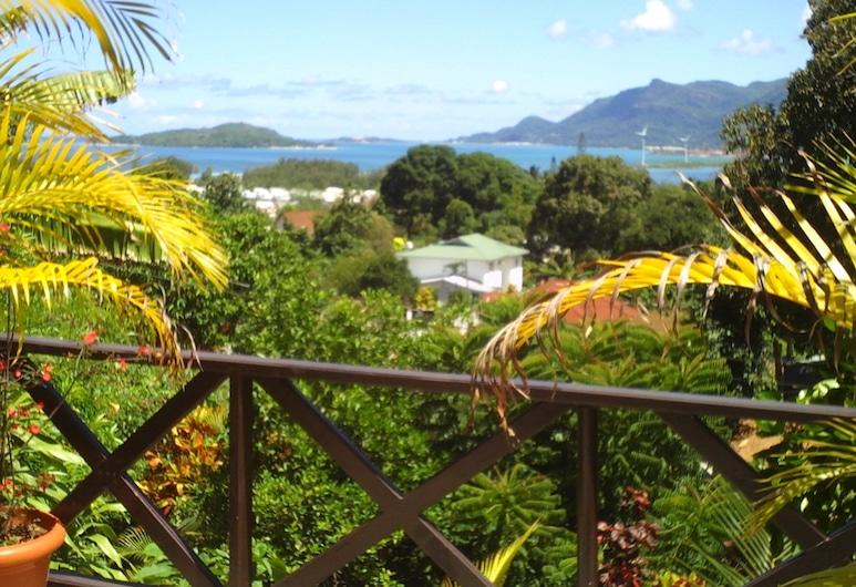 Chez Lorna, Mahe Island, Property Grounds