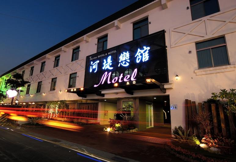 The Riverside Hotel & Motel, Гаосюн