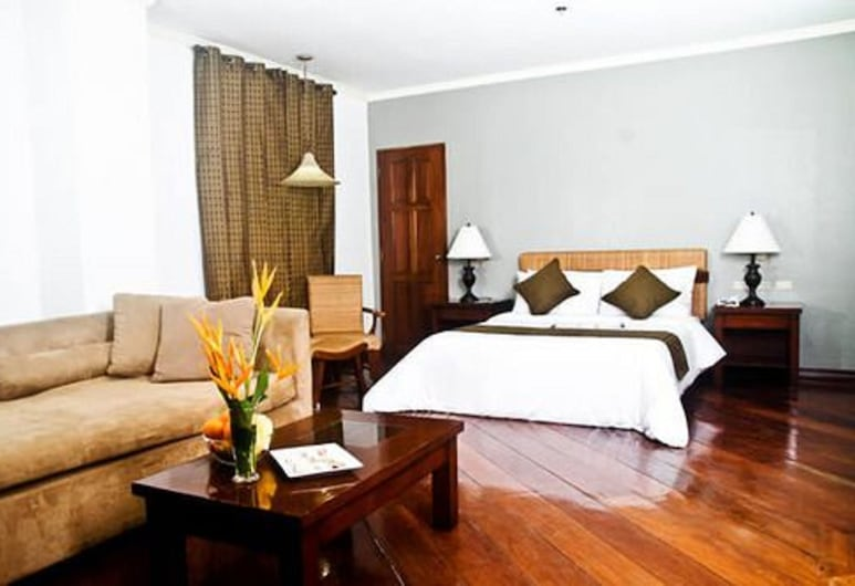 The Bell Hotel, Bacolod, Junior Suite, Guest Room