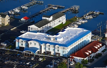 Picture of Marina Bay Hotel & Suites, an Ascend Hotel Collection Member in Chincoteague