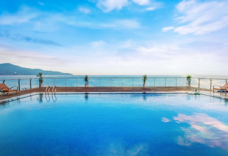 寧靜海灘飯店, 峴港