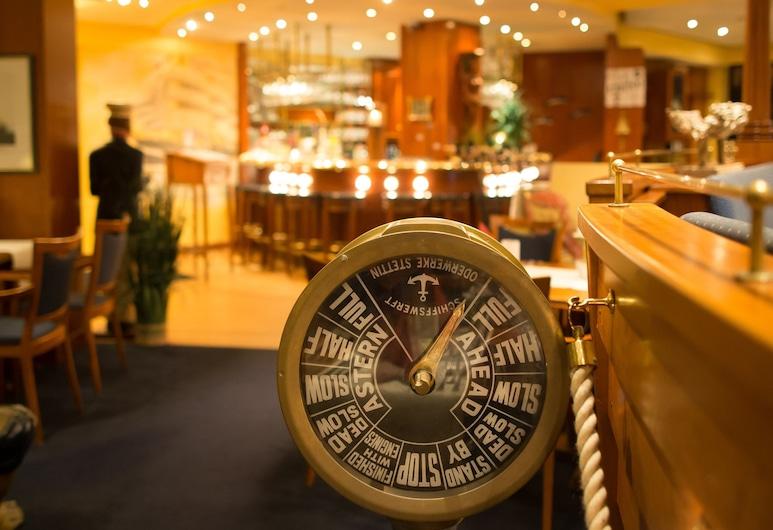 Nordsee-Hotel Deichgraf, Cuxhaven, Interior Entrance