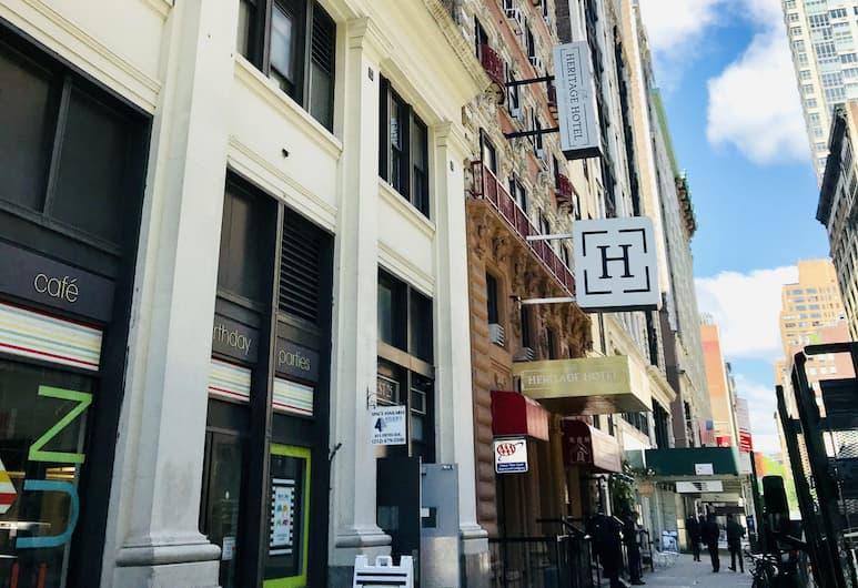 Heritage Hotel, New York, Utvendig