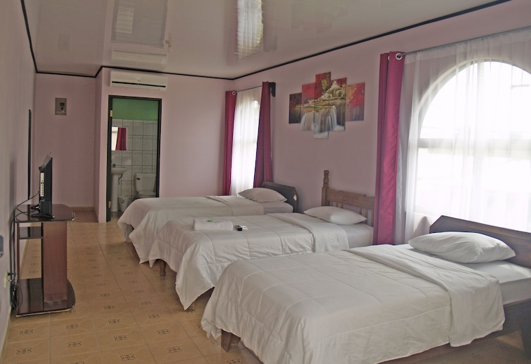 Hotel del Rio, Liberia, Basic Triple Room, 1 Bedroom, Bilik Tamu