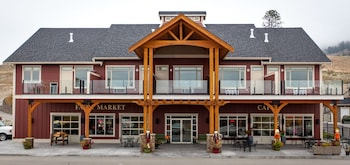 Picture of Hillcrest Farm Market B&B by Elevate Rooms in Kelowna