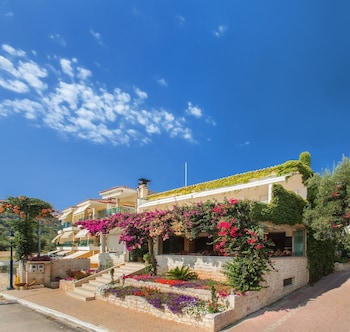 Picture of Loutra Beach Hotel in Kassandra