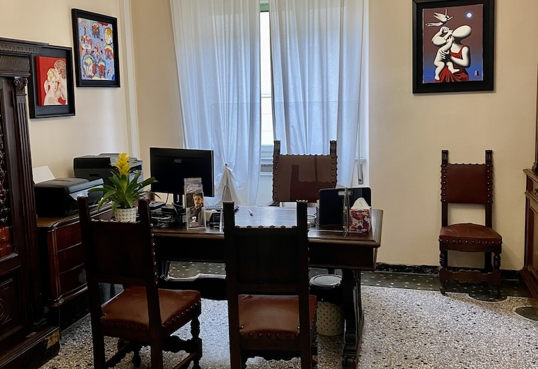 Villa Catelli Bed and Breakfast, Lucca, Reception