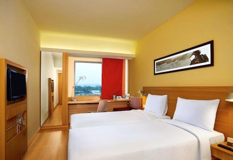 ibis Hyderabad Hitech City Hotel, Hyderabad, Standard Twin Room, 2 Twin Beds, Guest Room