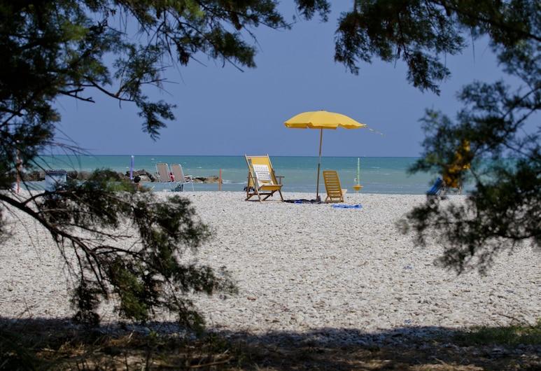 卡薩比安卡住宅飯店, 費爾莫, 海灘
