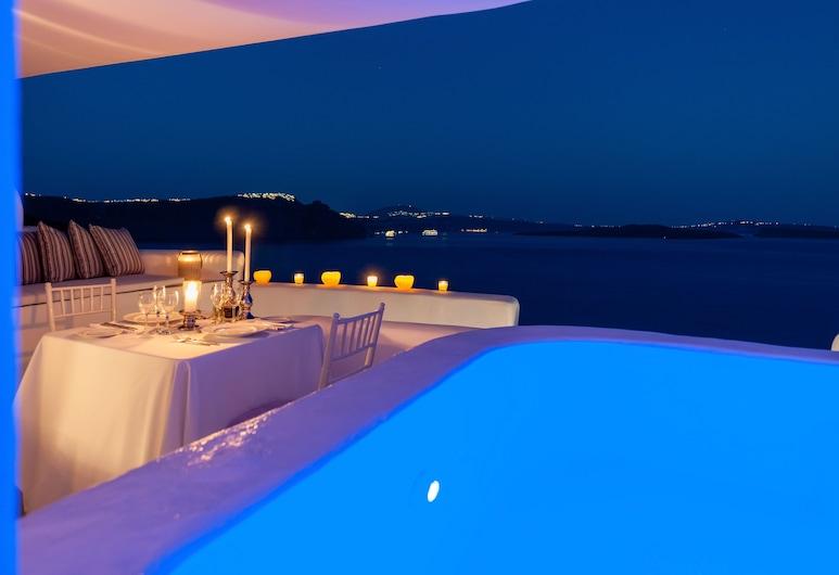 Thirea Suites & Studios - Adults Only, Santorini, Suite de lujo, bañera de hidromasaje, Terraza o patio