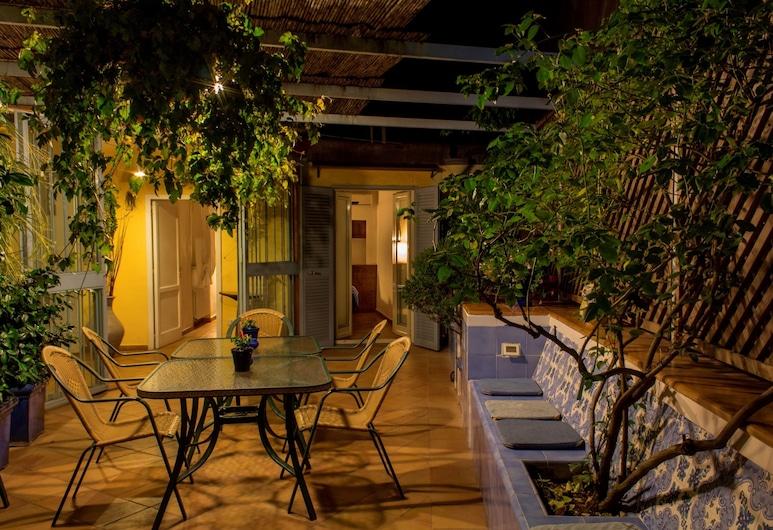 Dimora dei Giganti, Napoli, Terrasse/veranda