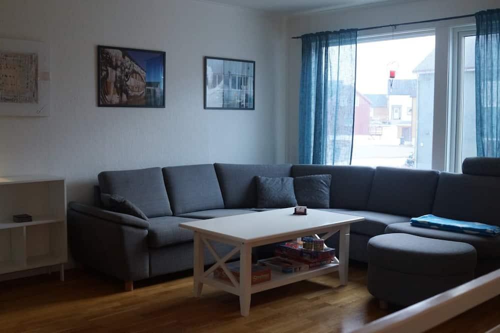Apartment, 3Schlafzimmer, eingeschränkter Meerblick, zum Innenhof hin (Kaigata 15B) - Wohnzimmer