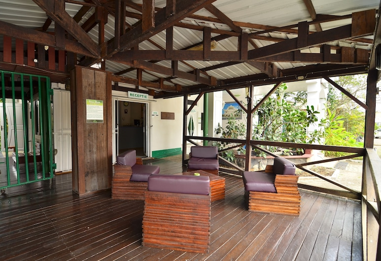 Tran Elite Hotel Apartments, Paramaribo, Priestory na sedenie v hale