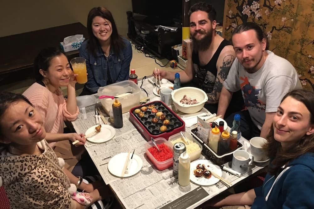 Koplietojuma guļamzāle, tikai sievietēm - Numura ēdamzona