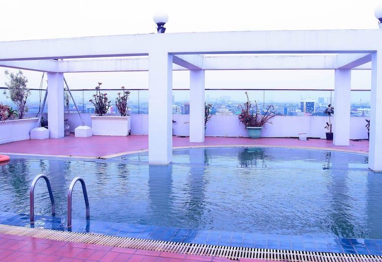 Treva International Hotel, Jakarta, Outdoor Pool