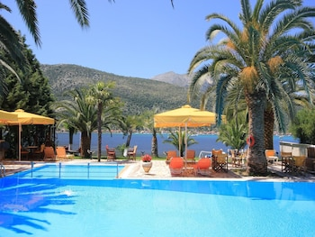 Picture of Cleopatra Beach Hotel in Lefkada