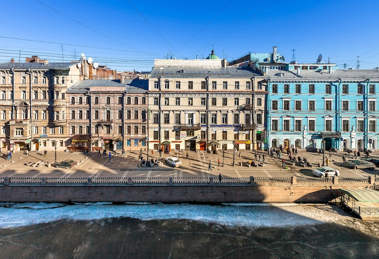 Friends by the House of Books, St. Petersburg, Standard Triple Room, Shared Bathroom, Canal View, Guest Room View