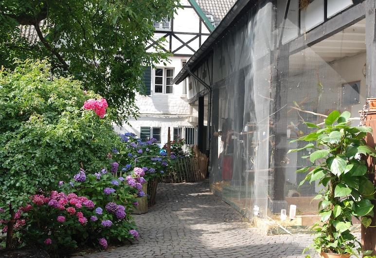RheinRiver Guesthouse - Boutique Art Hotel am Rhein, Leverkusen, Exterior
