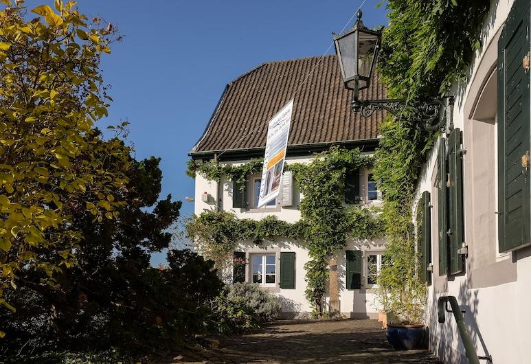 RheinRiver Guesthouse - Boutique Art Hotel am Rhein, Leverkusen, Hotel Entrance