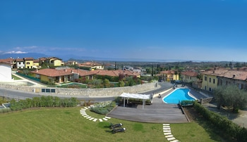 Picture of Polpenazze Halldis Apartments in Polpenazze del Garda