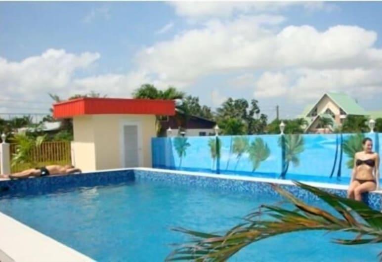 카이코에시 아파트먼츠, 파라마리보, 야외 수영장