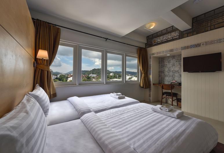 Hotel October, Phuket
