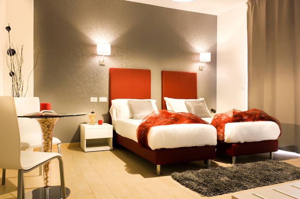 Δίκλινο Δωμάτιο (Twin), 2 Μονά Κρεβάτια, Μπαλκόνι - Δωμάτιο επισκεπτών