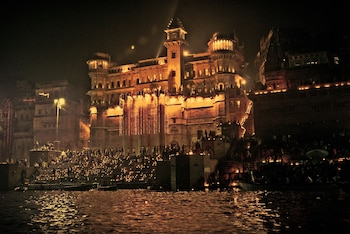 Enter your dates for our Varanasi last minute prices