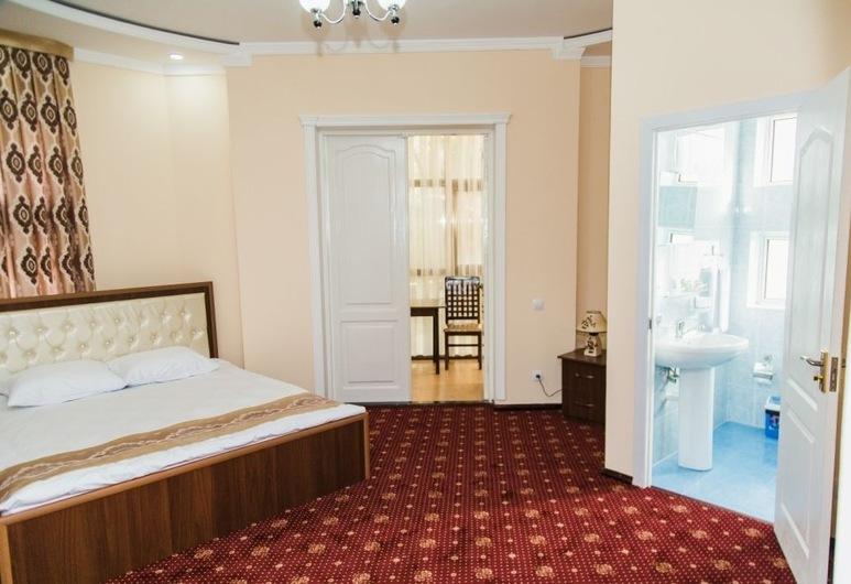 Art Hotel, טשקנט, סוויטת ג'וניור, מרפסת, חדר אורחים