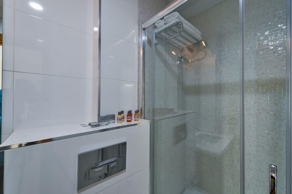 Suite, Balcony, City View - Bathroom