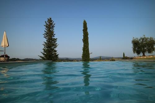 樂布切酒莊渡假村及水療中心/
