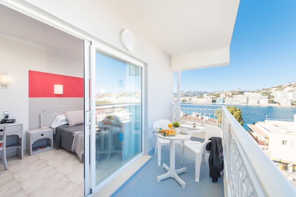Δίκλινο Δωμάτιο (Double), Θέα στη Θάλασσα - Αίθριο/βεράντα