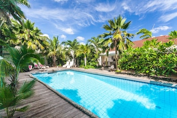 Picture of Frangipani Apartments in Curacao (all)