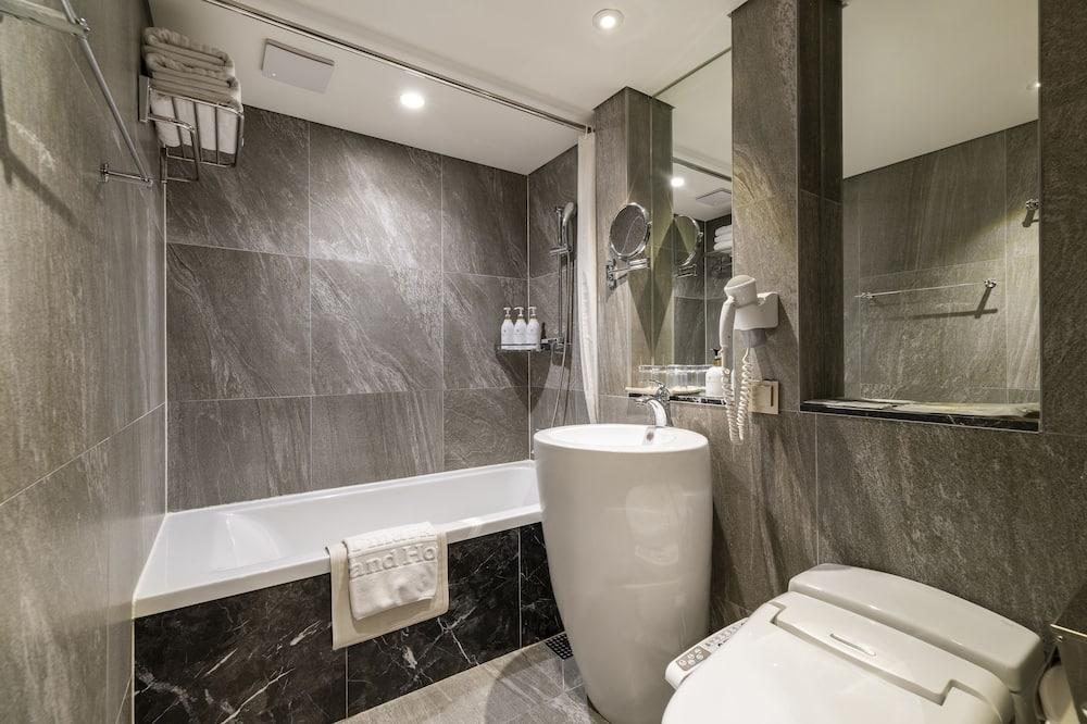 ห้องสแตนดาร์ดทวิน (Executive Lounge Access) - ห้องน้ำ
