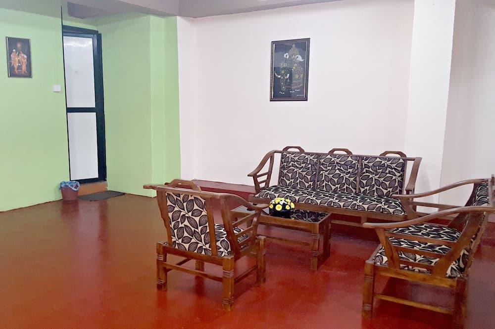 Apart Daire (Garden View) - Oturma Odası