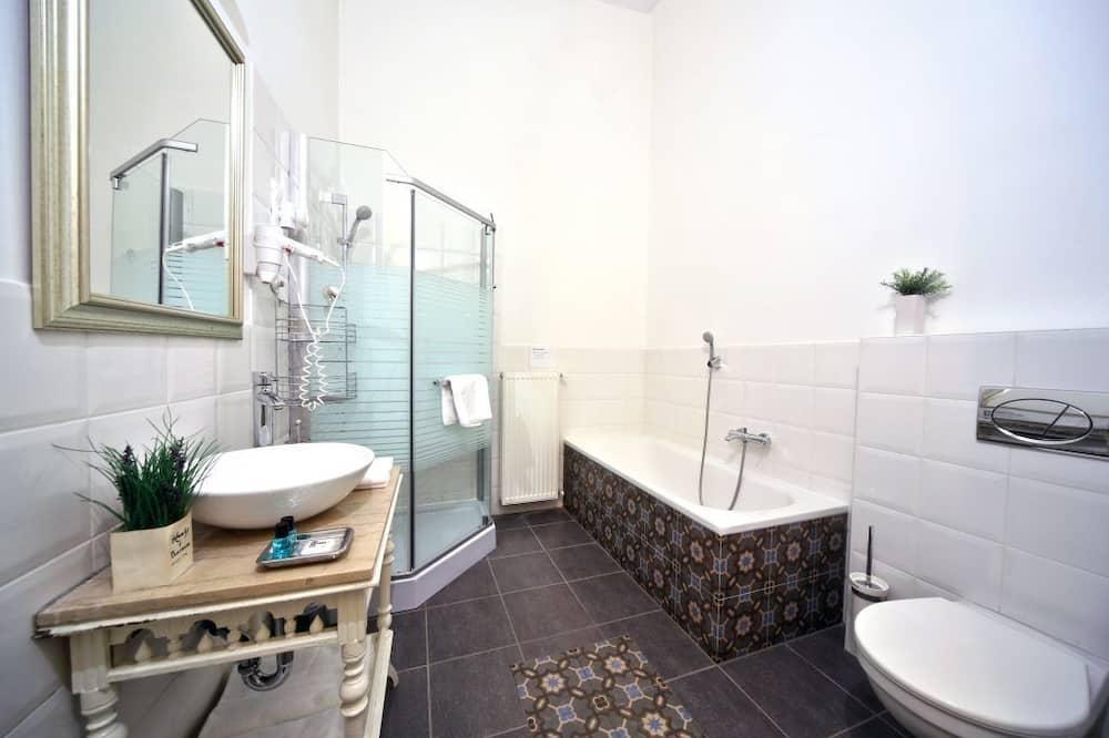 Izba typu Superior s dvojlôžkom alebo oddelenými lôžkami - Kúpeľňa