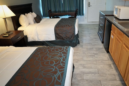 日落海灘飯店/