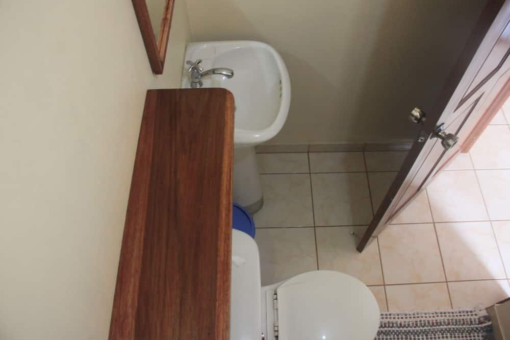 Standard Room, Mountain View - Bathroom