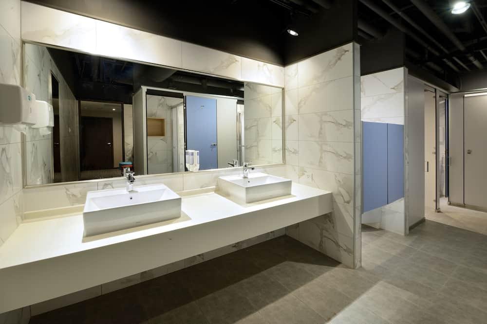 공용 도미토리, 싱글침대 1개 - 욕실