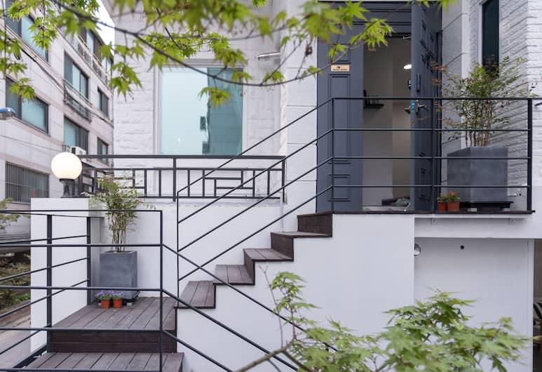 MONO HOUSE HONGDAE 2, Seoul, Hotellinngang