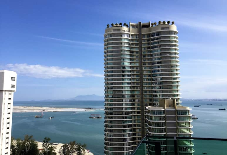 Vouk Suites at Mansion One, George Town, Suite, 1 Bedroom, Balcony, City View, View from room