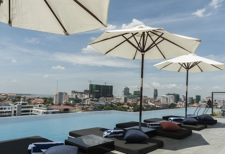Aquarius Hotel & Urban Resort Phnom Penh, Phnom Penh, Indendørs/udendørs pool
