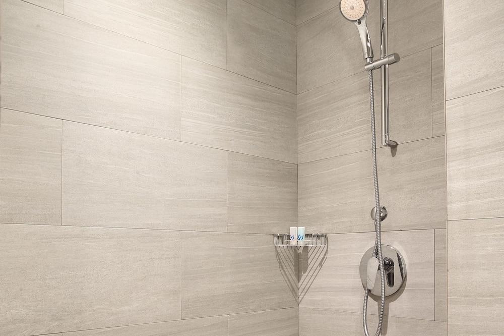 Habitación superior - Regadera en el baño