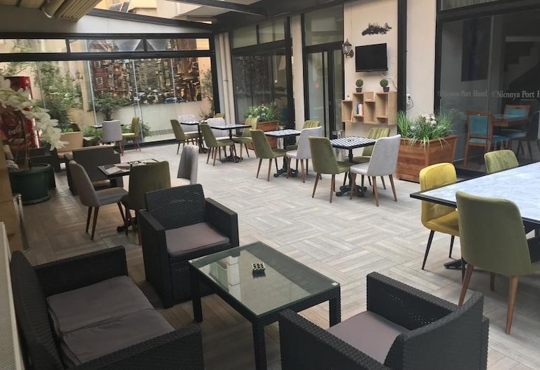 Niconya Port Suite&Hotel, Istanbul, Jardin