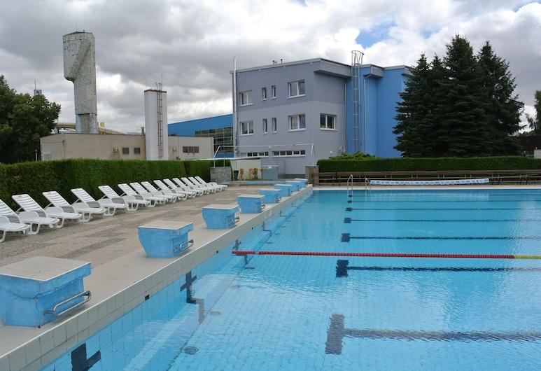 Sport Hotel Sletiště, Kladno, Açık Yüzme Havuzu